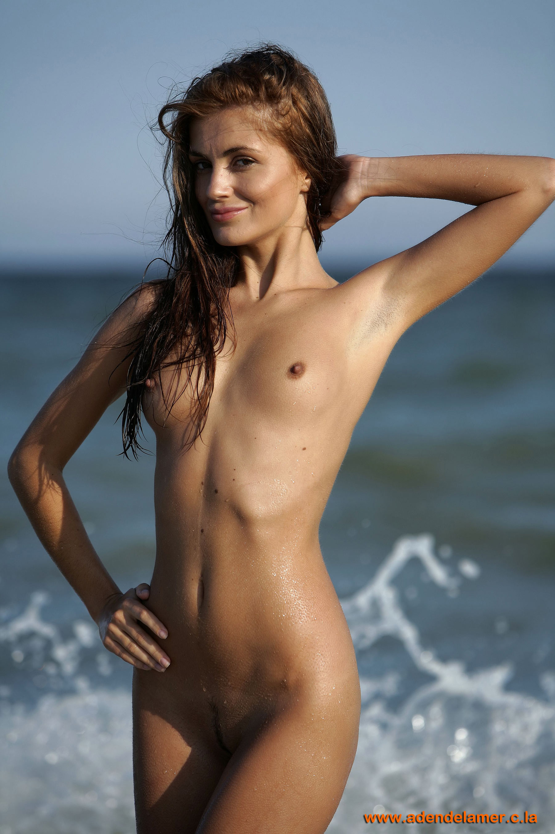 Стройная голая девушка 19 фотография